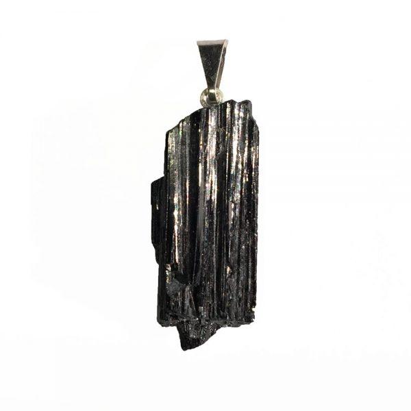 pendentif en tourmaline noire pierre brute