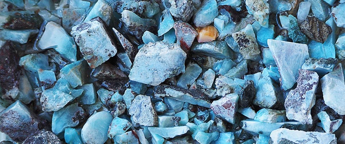 La provenance de la pierre Larimar